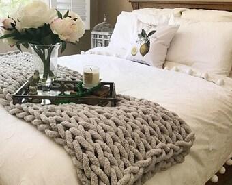 Chunky Knit Blanket, Vegan blanket, Arm Knit blanket, Giant knit blanket, Giant knit throw, Super Chunky Chenille Yarn blanket