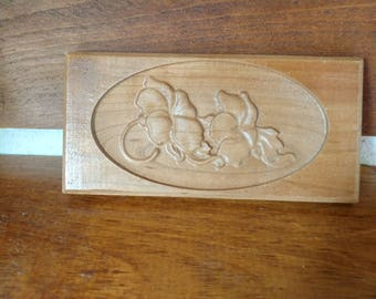 Flower carved wood accent