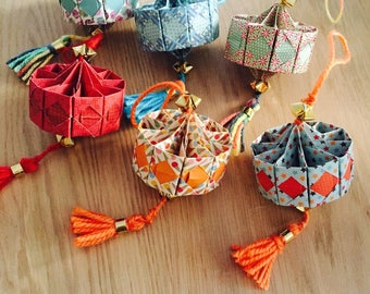 Six lanterns origami suspended for Chinese new year