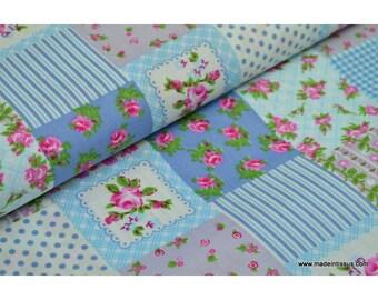 tissu popeline coton imprimé patchs VINTAGE  Bleu et rose x 50 cm