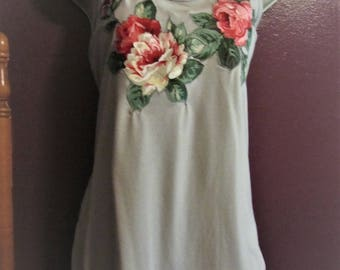 Silver Racerback Tee, Machine Appliqued Roses, Size L, FALL SALE