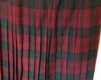 1970s Highland Home Industries Wool kilt Skirt.  Theatre Costume. Scottish wool tartan kilt. Tartan kilt.