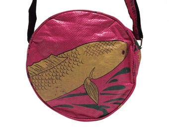 "Bag ""animal"" in cement sack-Small (-: Fish pink)"