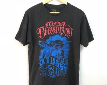 Vintage STUSSY tshirt skateboard spell out big logo dragon design skateboard black colour medium size
