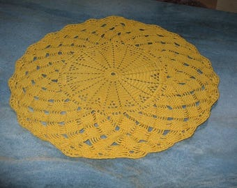 DOILY round yellow 36 cm in diameter