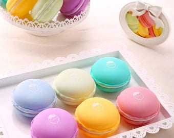 Big macaroon container