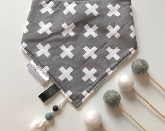 Dangle Dribble Bib - grey crosses