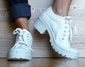 White chunky platform sneakers for women size 7 lace up canvas platform shoes crazy 90s sneakers vintage 90s new deadstock size 40 US size 7