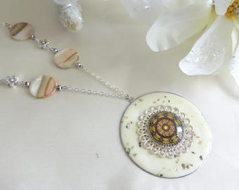 Cream fantasy metal and resin necklace