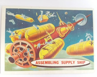 Assembling Supply Ship Topps Target Moon Trading Card Number 54 of 88 1958 Salmon Back Non Sports Atomic Age Mid Century Interplanetary Art