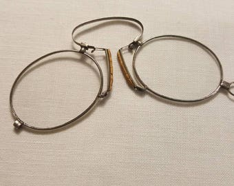 Antique silver spring Bridge Pince Nez eyeglasses with cork nose piece 1800-1900