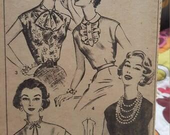 Vintage advance #8427 size 16