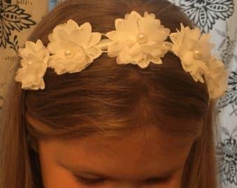 White Bridesmaid hair band, Bridesmaid hair accessories, first communion, Hair piece, bridesmaid Headband, Bridal, Wedding, flower girl