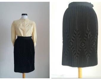 Vintage 1940s black skirt | 40s pleated skirt | 1940s black wool skirt