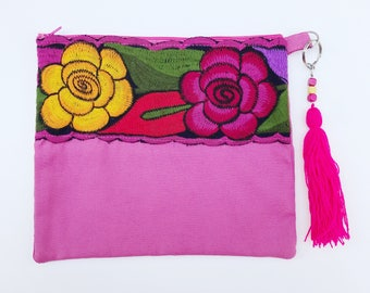 Embroidered clutch, Mexican clutch, Embroidered bag, Mexican bag, Mexican purse, Mexican handbag, Pom pom clutch, Pom pom bag, Pom pom purse