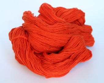 organic cotton yarn - handspun - poppy red - hand dyed by Rouge Bobine