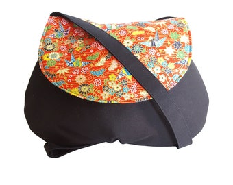 Small shoulder bag in black and Red Japanese fabric