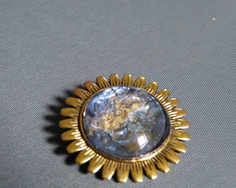 Brooch sunflower cabochon