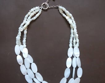 """Vintage Freshwater Pearl necklace, 18"""" long."""