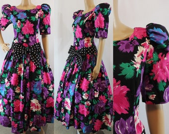 Quintessential 80s tropical floral dress with full skirt and shoulder pads size medium