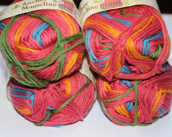 Set of 4 skeins of yarn to knit