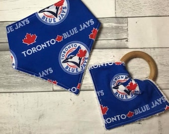 Modern Teething Ring and Bandana Bib, Baby teething ring, Baby bib, 100% Organic Ready to ship, Toronto Blue Jays, baseball, Gift set