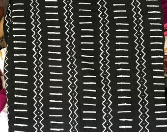 White and black Mudcloth print