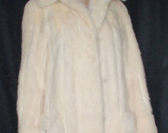 Vintage  superbe   manteau de fourrure de vison court blanc/ Vintage superbe short white mink fur coat   sz small bust 38
