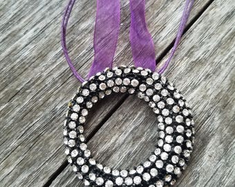 Rhinestone ribbon necklace