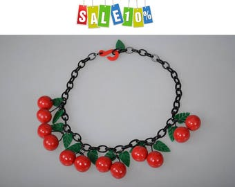 Vintage red cherry fruit massive necklace