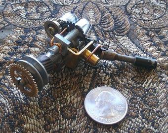 Miniature steampunk raygun