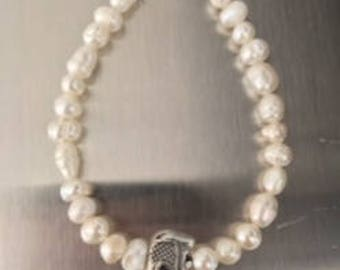 Fresh Water Pearl Bracelet with Elephant Charm
