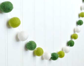 St. Patricks Day Felt Ball Garland, Green Pom Pom Garland, Green Bunting, St. Pattys Day Garland, St. Patricks Day Decoration, Saint Patrick