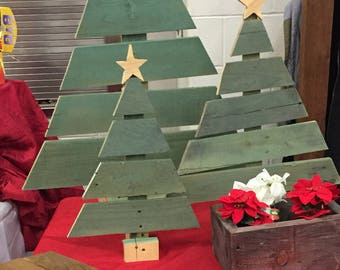 1 *LARGE* adorable wooden Christmas tree!!