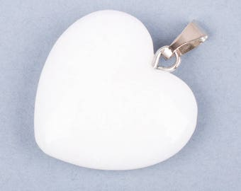 Heart-shaped white natural stone pendant