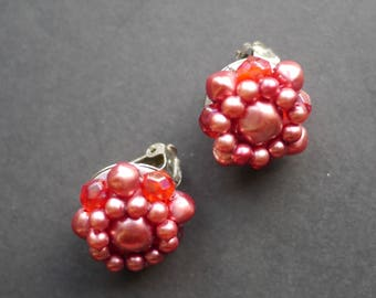 Pearly pink cluster beaded 1950s clip on earrings with faux pearl and clear plastic beads
