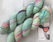 Hand dyed merino wool single yarn 100 g / 366 m / Indie dyer Lystig Yarns / My Little Pony Neondose
