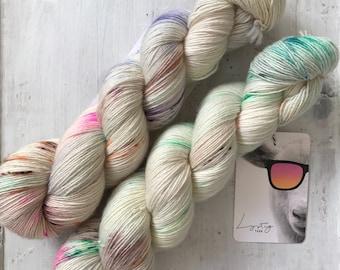 Hand dyed merino wool single yarn 100 g / 366 m / Indie dyer Lystig Yarn / Winter Garden