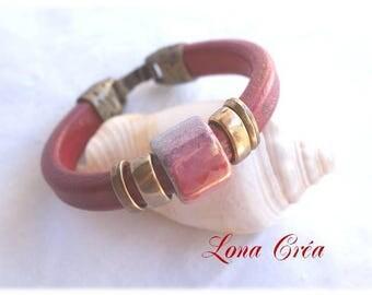 Grey pink red Regaliz leather, ceramic Bead Bracelet