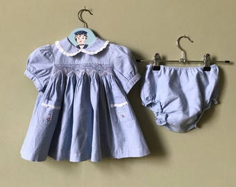 Vintage baby dress / baby girls dress with shorts / bloomers. Blue with smocking / smocking / Approx age 1 year vintage baby clothes