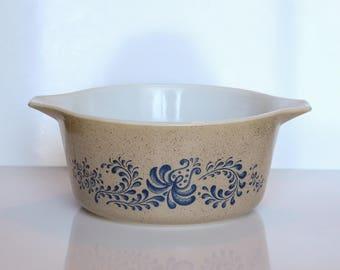 Vintage Pyrex Homestead Casserole Baking Dish / 474-B 1.5 QT / Speckled Tan and Blue Flower Design / Pyrex Blue and Tan / Pyrex Blue Floral