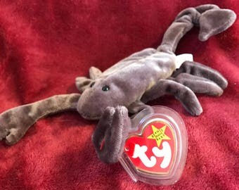 """Presenting """"Stinger"""" a rare, retired, mint condition, TY beanie baby"""
