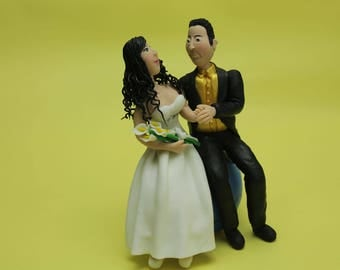 Wedding Cake Topper - Around the Globe, travelers, Wedding keepsake. The bride and groom.  Cake topper.Cake decoration. Party Supplies.
