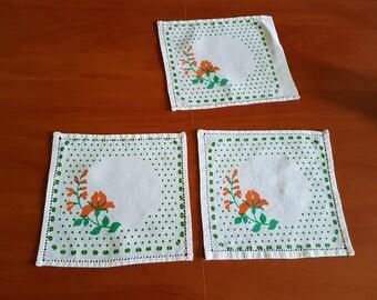 Vintage set of three little square white green red cotton serviettes / table-napkins / doilies, home decoration