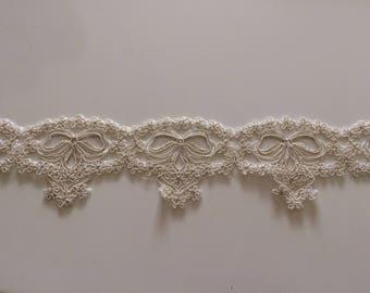 High quality 8 cm wide ecru color lace