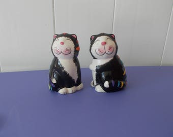 GKRO cat salt and pepper shakers