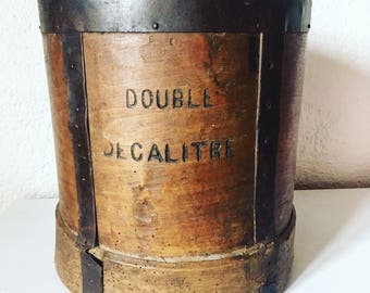 Double dekaliter in wood and iron. Old measure. Seedsman. Campaign. antique french. 1900's rustic.