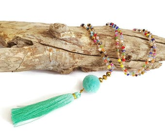 Necklace long green tassel