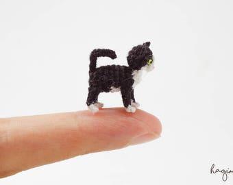 Miniature Bicolor cat crochet, Tiny crochet cat, amigurumi tiny cat