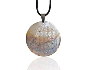Necklace Flower of Life 5 cm mother of pearl, stainless steel closure
